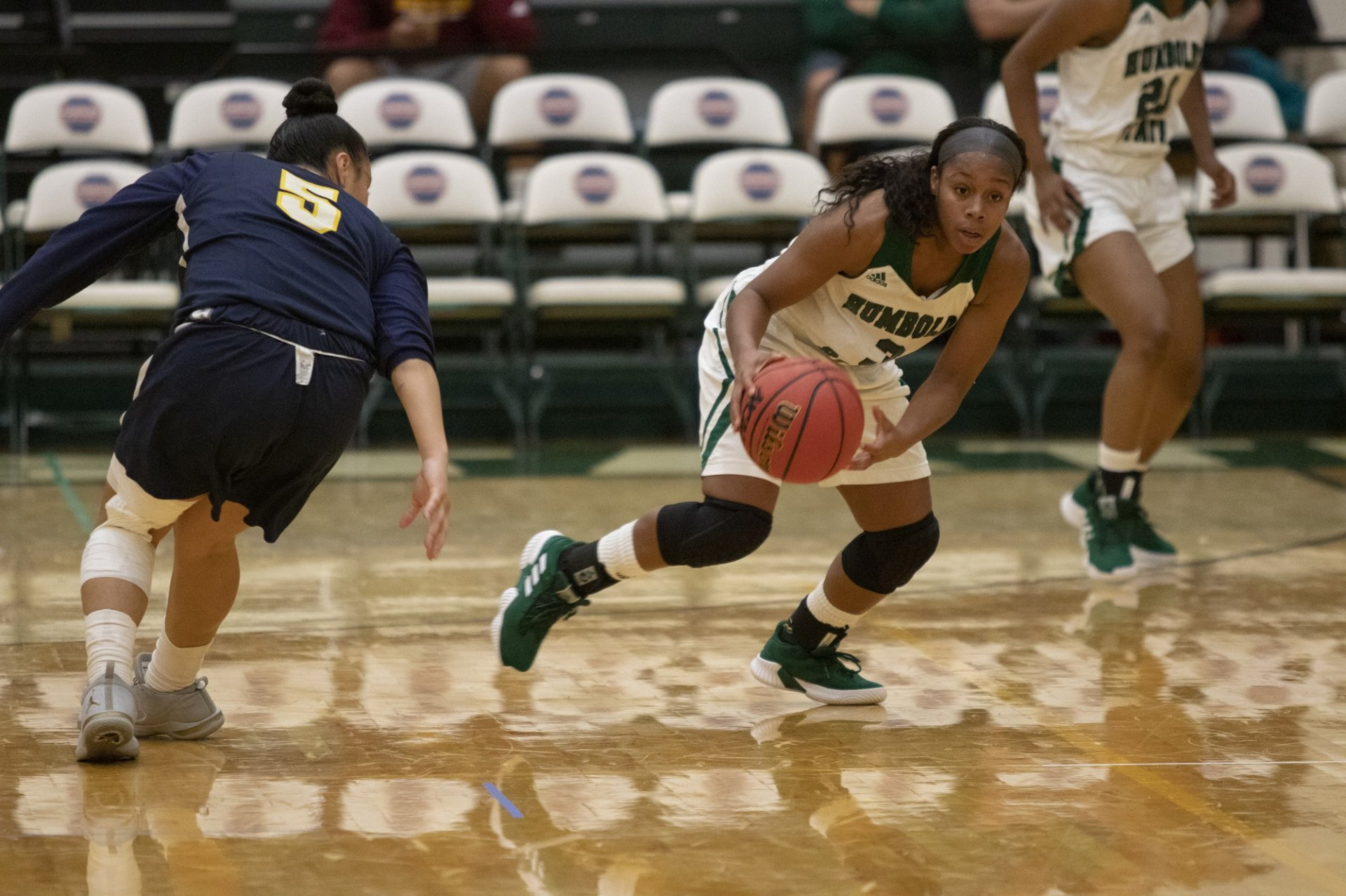 Junior guard Tyra Turner (3) steals the ball early in the first quarter and takes it on the fast break to an eventual assist. Turner led the Jacks with 6 assists on the night. | Photo by Matt Shiffler