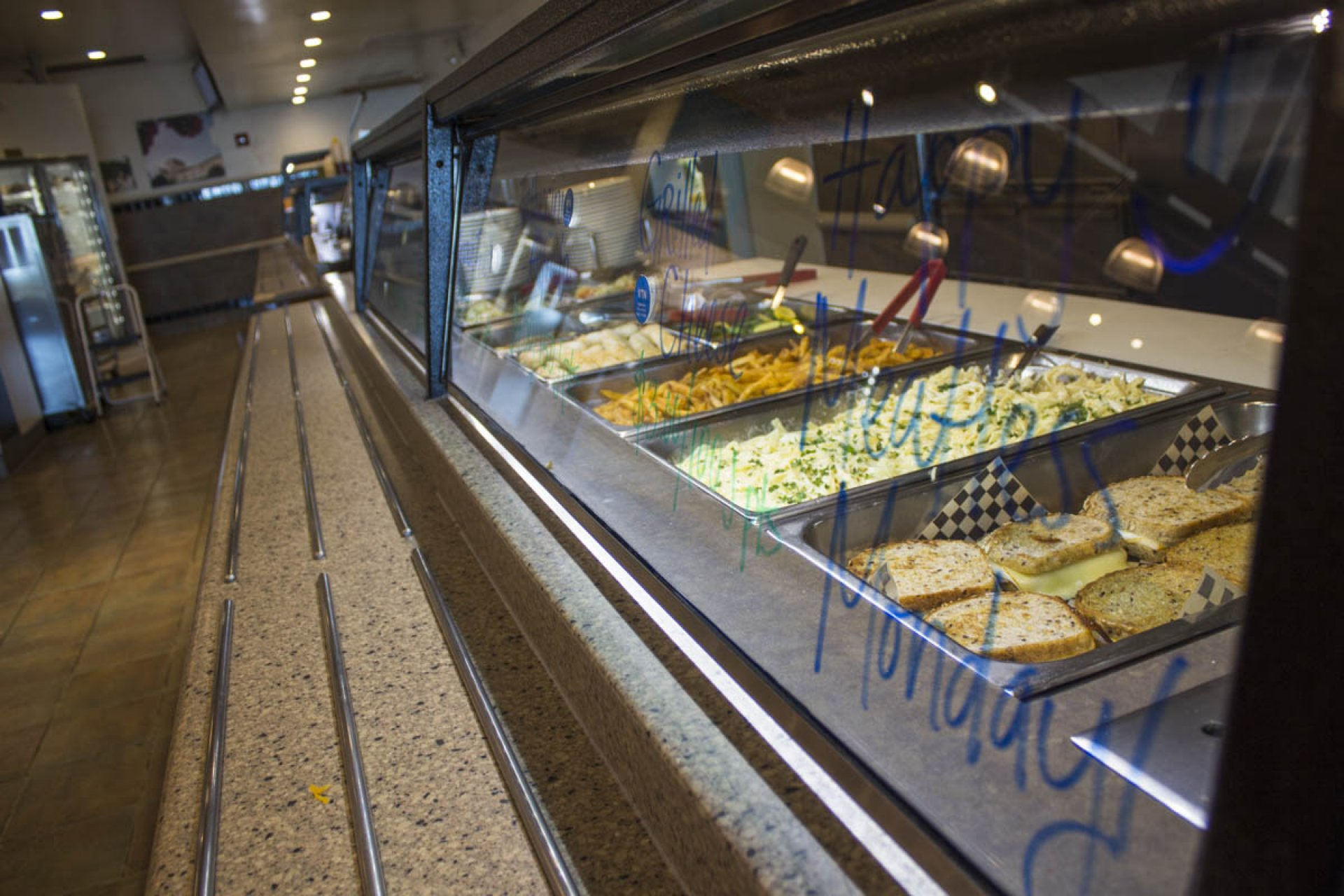 Meatless monday food options in the hot food counter. Photo credit: Ahmed Al-Sakkaf