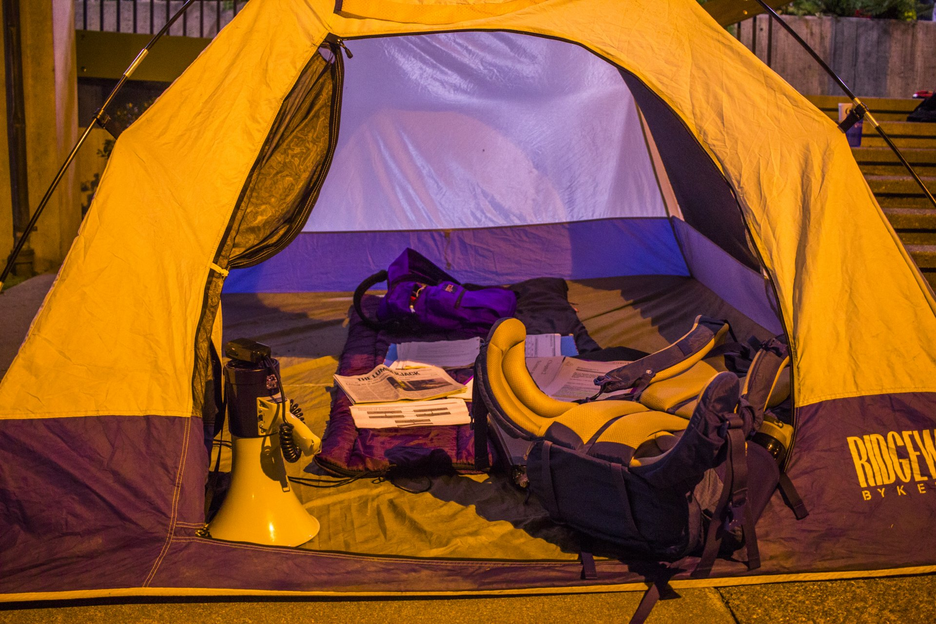 A tent sits in the UC Quad for the Homeless Student Advocate Alliance event Housing: Indigenous Insight on Nov. 30. | Diego Linares